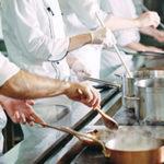 """<span class=""""title"""">調理スタッフとして働きたい人はフレンチの求人が募集されています</span>"""